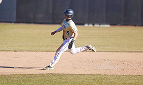 Baseball Sweeps Sunday Holy Cross Double Header