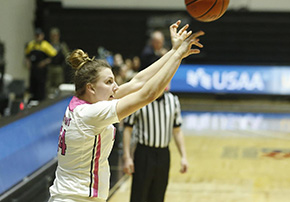 Women's Basketball 75-55 win over Loyola