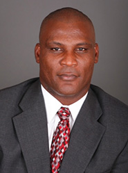 COL(R) Gadson '89 Joins Roberts & Ryan Investments Advisory Board