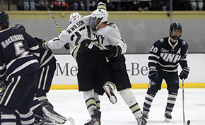 Hockey Charges Past New Hampshire, Earns 13th Win