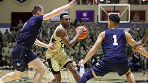 Men's Basketball Bounces Back to Take Down Navy