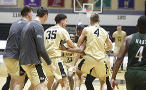 Men's Basketball Captures Comeback Win Against Loyola, 81-80