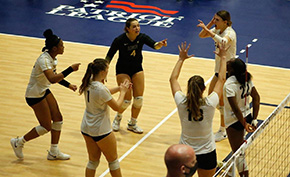 Volleyball Beats Navy in the Star Series Match
