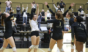 Volleyball Downs Eagles for Weekend Sweep