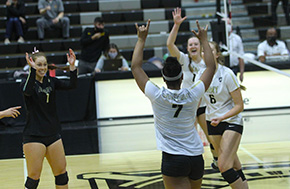 Volleyball Returns Home With Win Over USMMA