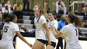 Volleyball Splits Second Day of the Black Knight Invitational