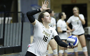 Volleyball Sweeps Crusaders