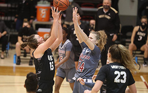 Women's Basketball Tops Rider on Branch Night, 70-55