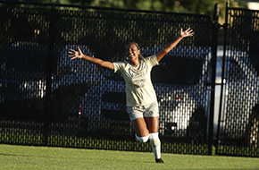 Women's Soccer Powers Past William & Mary
