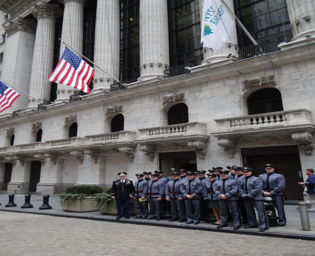 LTC Todd Woodruff and his students at the NYSE.