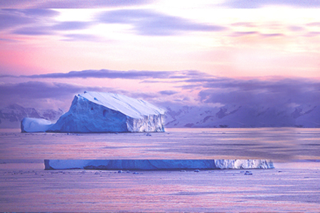Expedition to Antarcticaq